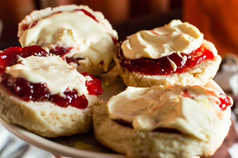 Cream Teas - to die for..... Somerset v Devon