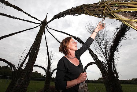 Hands On Willow Sculpturing with Sophie Courtier
